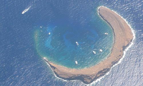 molokini-crater-snorkeling-maui-hawaii